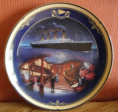 Bradford Exchange Titanic Queen Of The Ocean 'The Grand Stairway' plate with box