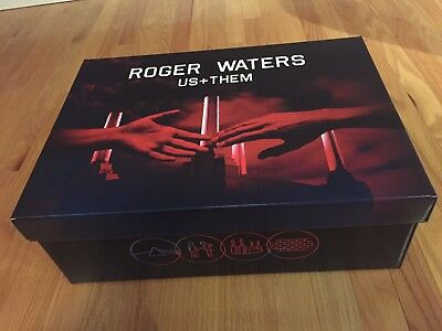 "Roger Waters ""Us + Them"" 2017 Official VIP Merchandise - BRAND NEW!"