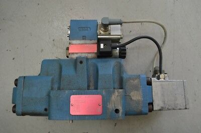 Moog Proportional Control Valve Type D633-7368 and D684Z4815G