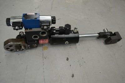 Husky Lock and Block cylinder with valve.  Servo cop type A40460995