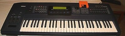 Yamaha Ex7 Music Synthesizer Keyboard Extended Synthesis 1998 - Cosmetic Issue
