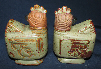 Salt Pepper Shakers Chickens Chooks Retro Stoneware Pottery Gempo Style 9CmT