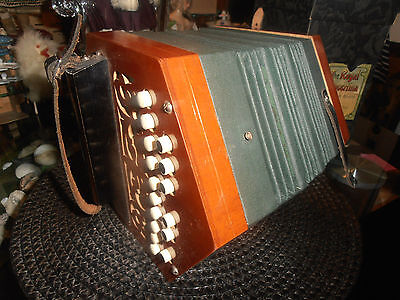 The Regal Concertina im Originalkarton - Abbildung Seemann -