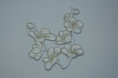 WINTER WHITE BLOSSOM FLOWER  Embroidered Iron Sew On Cloth Patch Badge  APPLIQUE