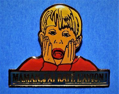Home Alone Movie -  Macaulay Culkin - Vintage Lapel Pin - Pinback - French Title