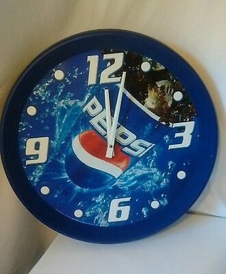 PEPSI-COLA, Round Wall clock, Plastic, Vintage,  18  X 18 INCHES Battery Works !