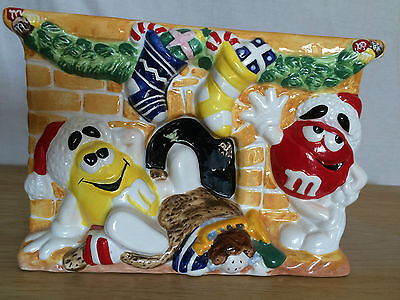 Christmas Ceramic Candy Dish Bowl Fireplace Stockings Red Yellow Mars M&M's