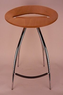 LYRA MAGIS Beech Wood & Chrome Stool