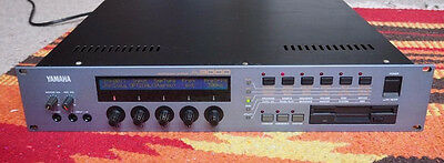 YAMAHA A3000 SAMPLER ----- ----fully working -----Tested ...