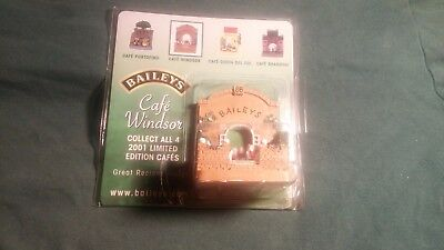 Baileys 2001 Limited Edition Cafe Windsor & Shanghai Figurines New In Box