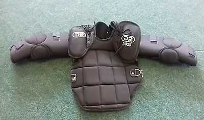 Brand new childrens DR goalie street field hockey chest body protection size M