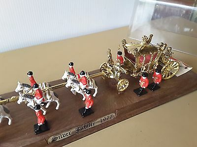 Queen Elizabeth R 1977 silver jubilee ROYAL STATE COACH HORSES GUARDS MODEL