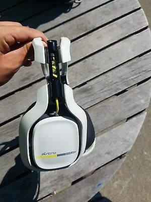 Astro A50 Wireless Gaming Headset PS4/PS3/PC/MAC - white