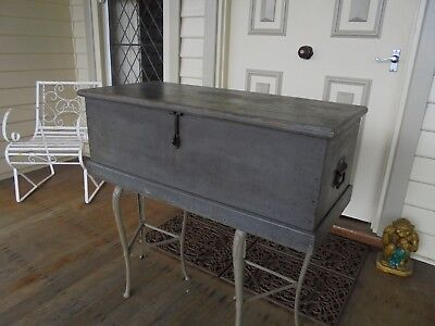 ANTIQUE AUSTRALIAN CARPENTERS TOOL BOX INDUSTRIAL STORAGE COFFEE TABLE c1920