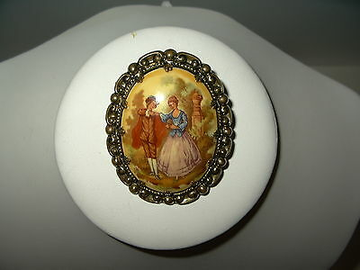 Vintage Victorian Goldtone Paper Mache Fragonard Courting Couple Oval Cameo Pin