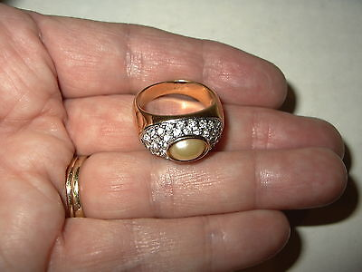 RARE 1997 Vintage JOAN RIVERS Goldtone, Pearl  & Crystal Pave Ring - Size 6