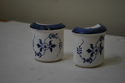 Blue Floral Salt & Pepper Set  NICE!!