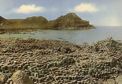 postcard Ireland  The Steucans  Giants Causeway un  posted Valentine's