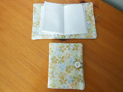 New Sewing Needle Case With Six Felt Leaves  Cream And Gold Floral Fabric