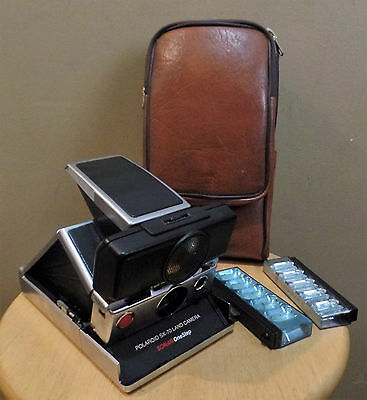 Vintage POLAROID SX 70 SONAR One Step Folding CAMERA w Original CASE & Flash