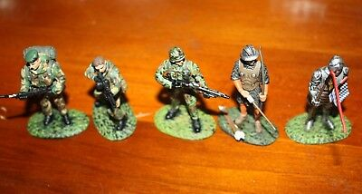 Painted Lead soldiers x 5
