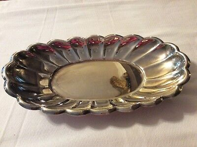 Reed & Barton Silver-plated Scalloped Oval Dish