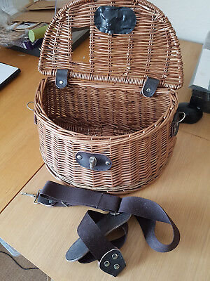 Fly Fishing Wicker Creel Basket Fly Vintage Fishing Tackle Gear Setup