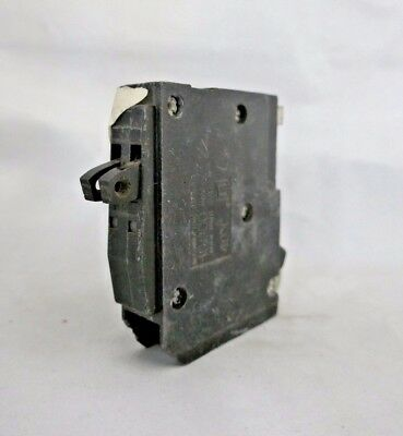 Square D Qot2020 Twin 20-Amp Single Pole Tandem Circuit Breaker 120/240V
