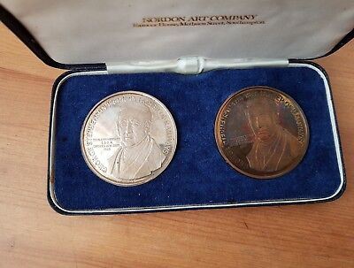 1975 Two Medallion Silver & Bronze - Proof Gualty Set.