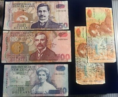 New Zealand Currency/Dollar, $100,$50,$10 And (2) $5 Banknotes, Circulated.