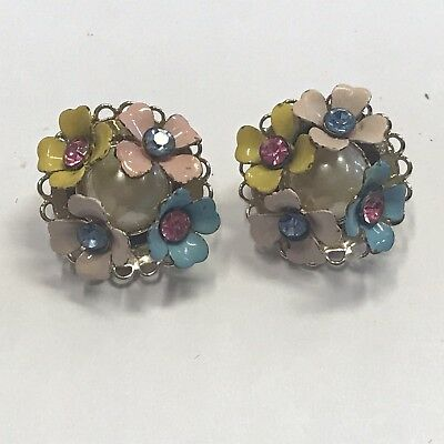 Beautiful Vintage Estate Find Colorful Flower Bouquet Clip On Earrings A15
