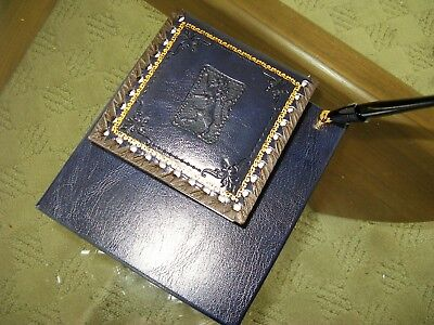 Exquisite Vintage Made in Italy Tooled Leather Blotter/note pad, Pen Holder