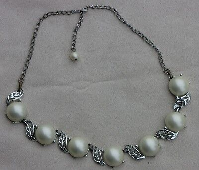 Lovely Vintage Silver Toned Leaf with White Acrylic Bead Necklace Choker