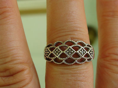 925 Sterling Silver Vintage Diamond Accents Ring Size 9