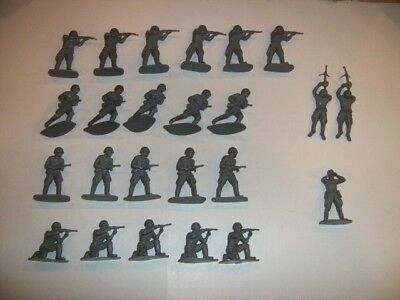 Airfix 1/32 Scale Vintage WWII Russian Infantry Figures Near Complete Set