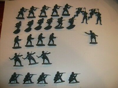 Airfix 1/32 Scale Vintage WWII German Infantry Figures Near Complete Set