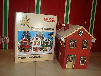 Piko 62711 Christmas G Scale Red North Pole Elf Dorm Assembled Model New In Box!