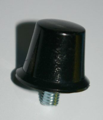 Replacement Flanged screw in cleats .6 inch [5/8''] Black Pk of 7/Studs/Football