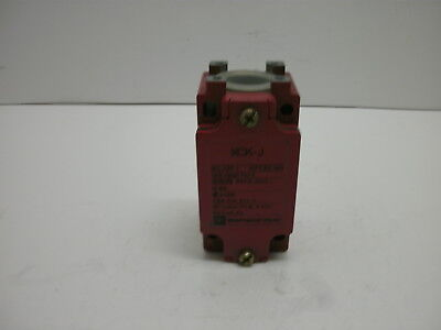 Telemecanique Xck-J79H7 Limit Switch Iec 337-1 Nfc63-140 10(4)A.380V~ New No Box