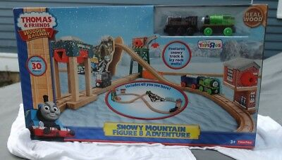 Thomas and Friends Wooden Railway Snowy Mountain Figure 8 Adventure
