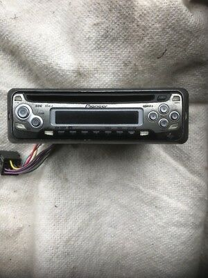 Pioneer Car Stereo DEH-1600R Single CD Audio Radio Player In Dash Receiver 45Wx4