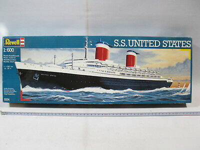 Revell 5234  S.S. United States 1:600  lose in box  mb3189