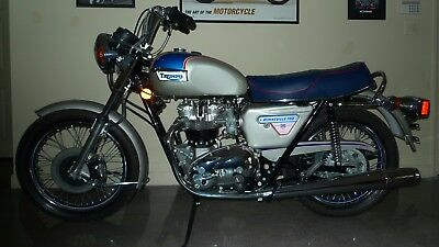 1977 Triumph Bonneville  1977 Silver Jubilee #706/1000 - NEVER STARTED!