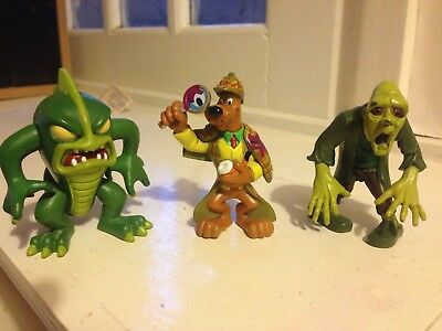 Scooby doo figures with monsters