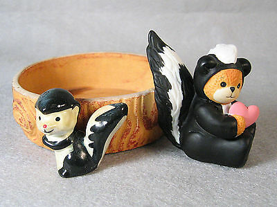 two Enesco SKUNK collectibles, circular dish & holding valentine