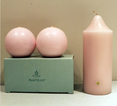 """NOS PartyLite STRAWBERRY RHUBARB PARFAIT 3x7 Bell-Top Pillar 3"""" Ball Candle Pair"""