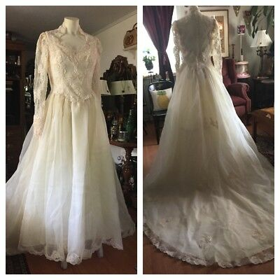 Vintage Ivory Wedding Bride's Gown with Flowing Train