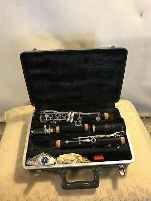 BUNDY CLARINET WITH CASE See 7 Pictures .MAKE OFFER