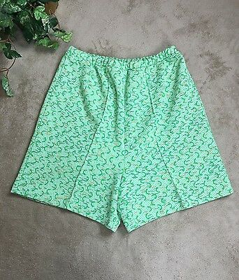 Miss Holly Vintage Women's Shorts Sz L 36  Green Made In Japan