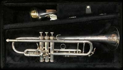 King Silver Flair Trumpet W/ Case and Extras